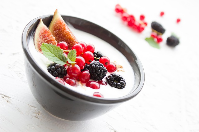 yogurt-1786329_640
